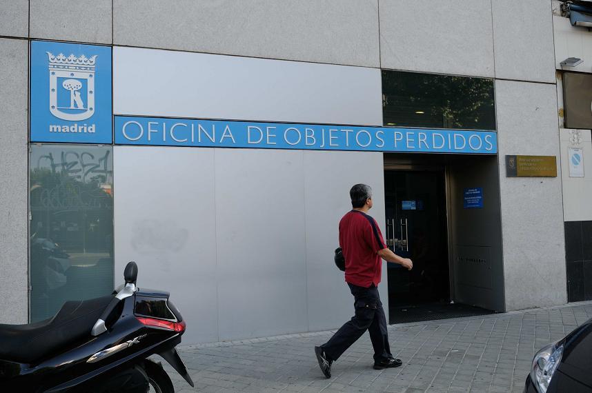 El ayuntamiento de madrid subasta m s de piezas del for Oficina objetos perdidos madrid