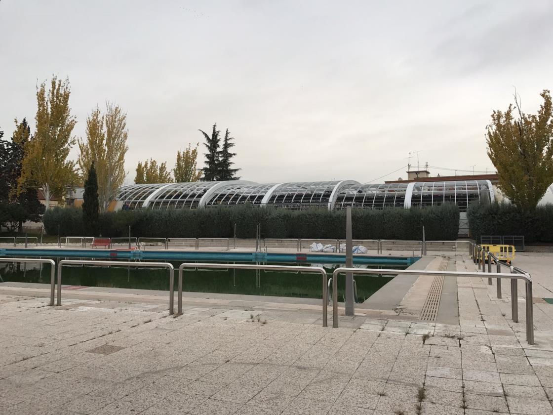 El club de nataci n madrid moscard de usera en peligro for Piscina municipal moscardo