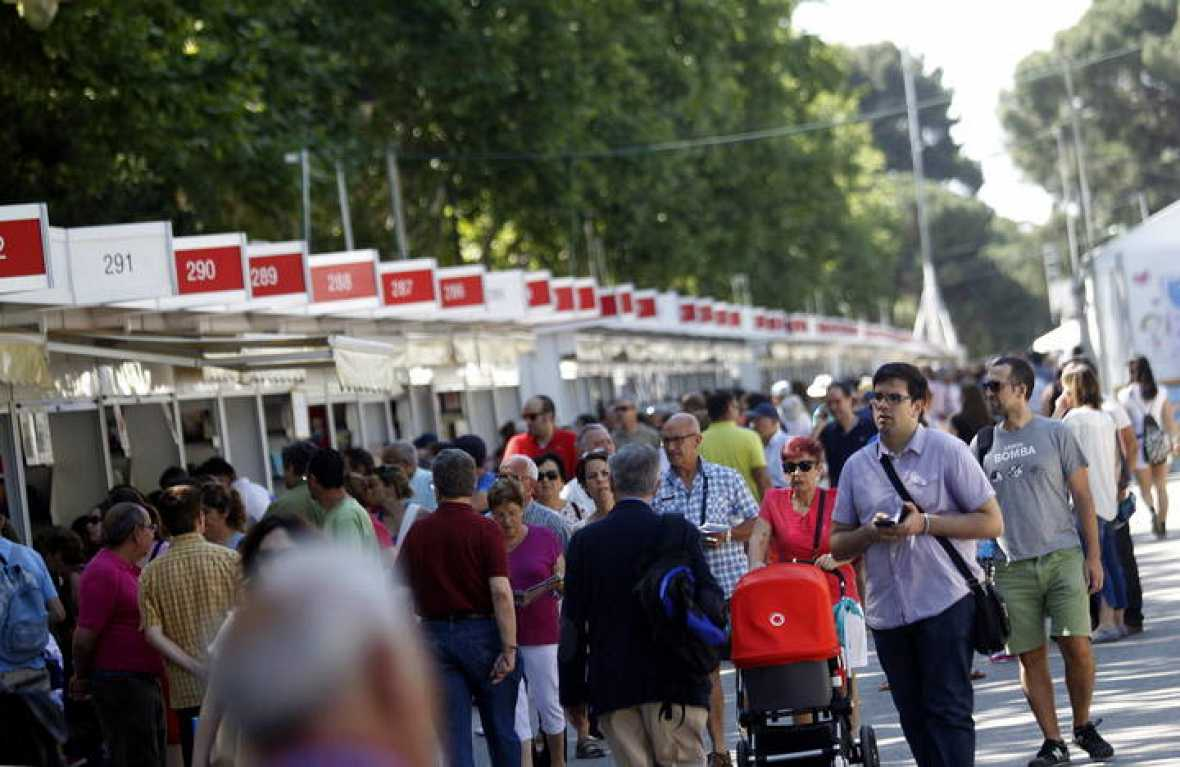 El consorcio de transportes reforzar 13 l neas de autob s for Oficina del consorcio de transportes de madrid