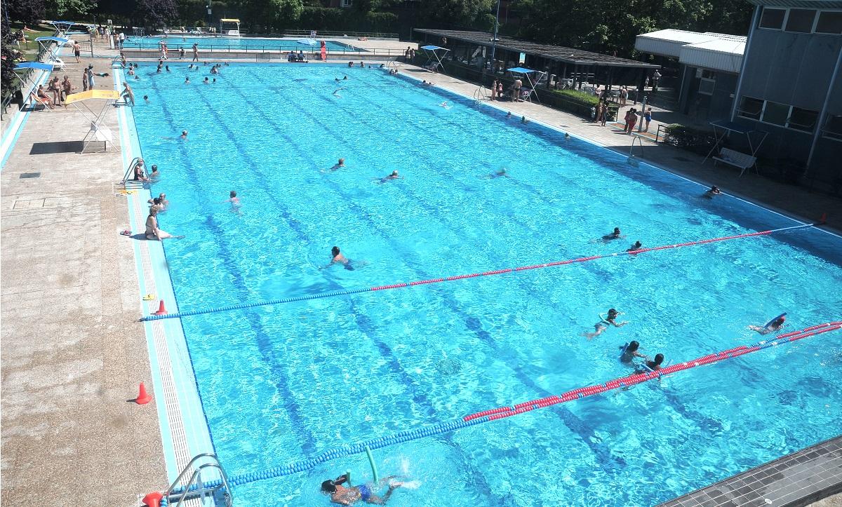 El s bado abren las piscinas municipales de verano for Cuando abren las piscinas en madrid