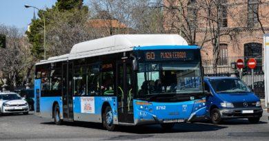 Autobús línea 60 hace Plaza Cebada