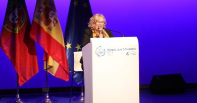 """Manuela Carmena: """"Es necesario enraizar el Derecho en las conciencias de los ciudadanos"""""""